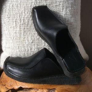 Clarks Black Leather Slides Mules 7M